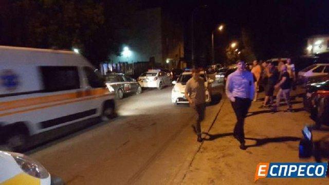 У Києві на підприємстві сталася стрілянина: троє травмованих