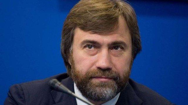 Мільярдер Вадим Новинський з охоронцями напав на митрополита УПЦ (МП)
