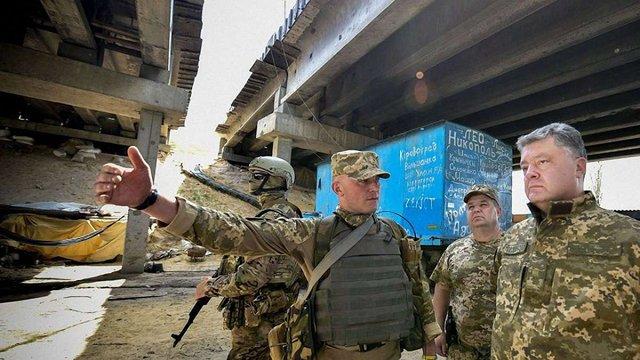 Петро Порошенко під Донецьком потрапив під обстріл бойовиків