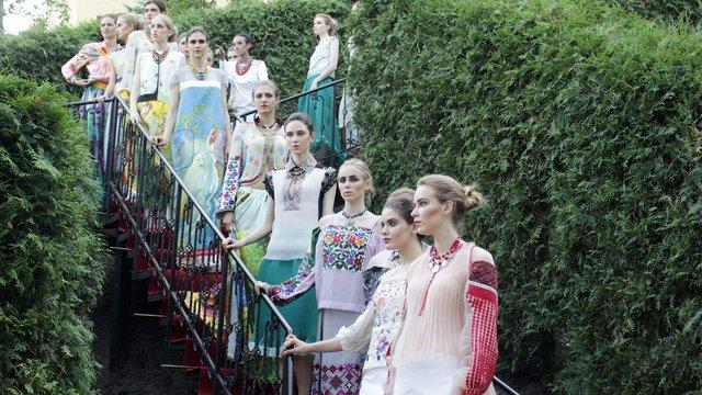 Дизайнерка Оксана Караванська показала колекцію сучасних вишиванок