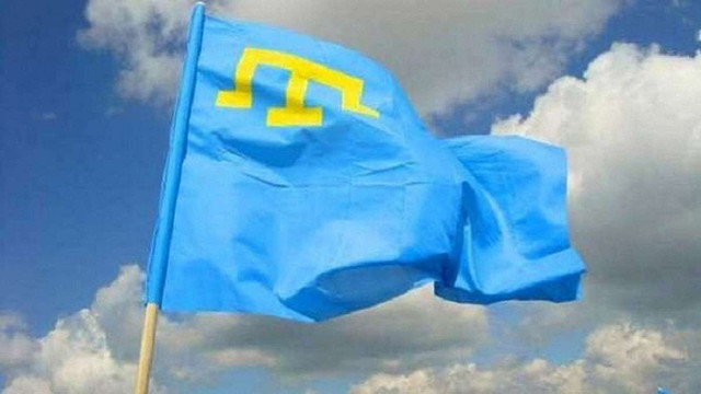 «Два прапори - одна країна», – Петро Порошенко привітав кримських татар із Днем прапора