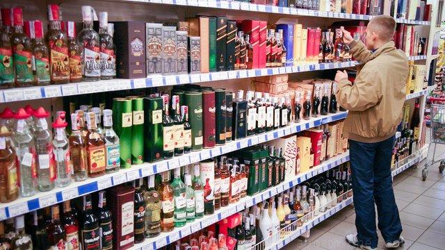 Горілчане лобі просить уряд вкотре підняти мінімальні ціни на алкоголь
