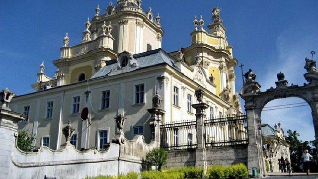 Порошенко розпорядився виділити гроші на реставрацію Собору Св. Юра у Львові