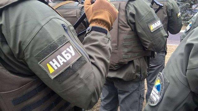 Детективи НАБУ затримали бухгалтера «газової схеми Онищенка»
