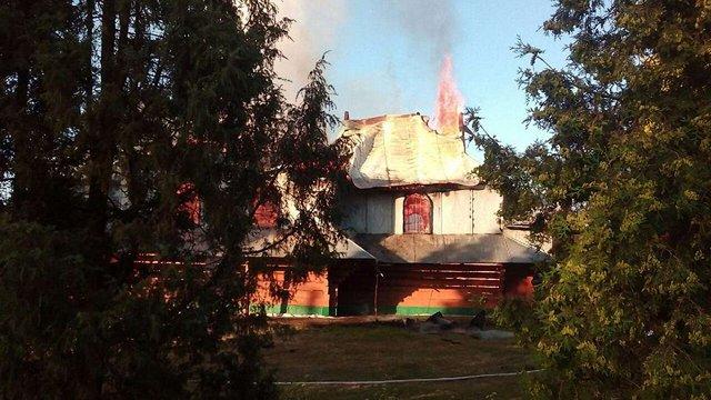 На Івано-Франківщині згоріла дерев'яна церква УГКЦ, яка була пам'яткою архітектури