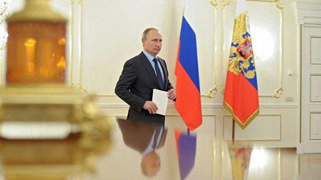 Путін узаконив стеження за усім, що йде через мобільних операторів та інтернет