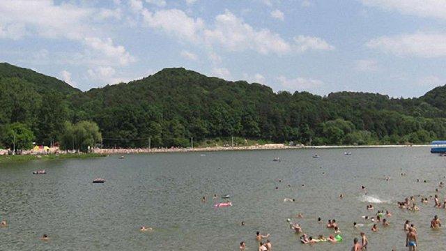 На Львівщині лише 11 пляжів визнали безпечними для відпочинку