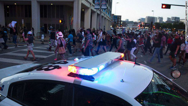 У США під час акції протесту вбили п'ятьох поліцейських