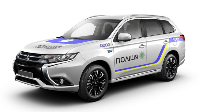 Нацполіція замінить старі УАЗи на нові Mitsubishi