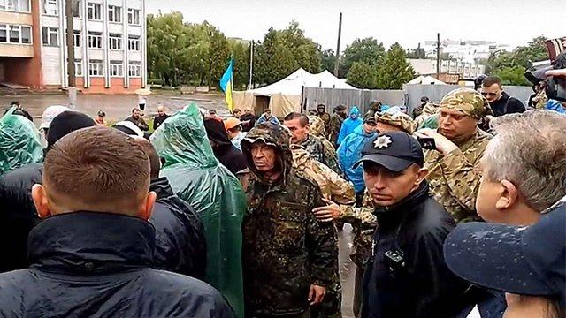 На скандальному будівництві у Львові виникли сутички між мешканцями та невідомими охоронцями