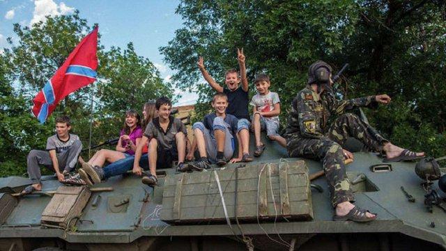 З окупованого Донбасу дітей забирають на «патріотичне виховання» до Росії, – розвідка