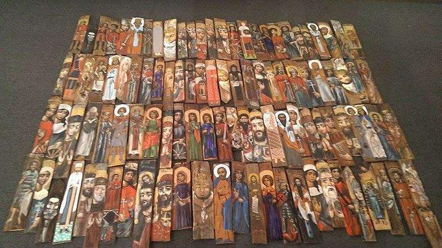 У Львові відкрили виставку ікон, аби зібрати гроші на тепловізор для українських бійців