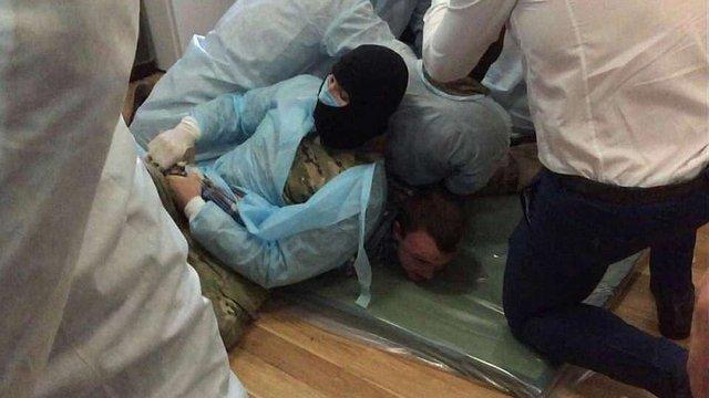 Силовики побили підозрюваних у вбивстві Бузини і силою взяли у них зразки ДНК
