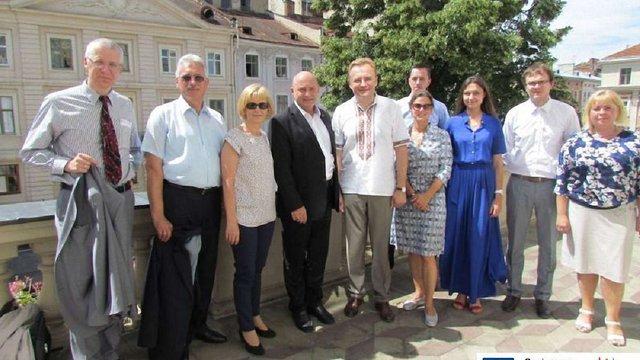 Мер Львова обговорив співпрацю з держсекретарем міністерства транспорту Німеччини