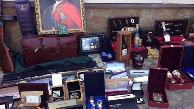 У чиновника Харківської міськради вилучили колекцію ікон та елітного спиртного