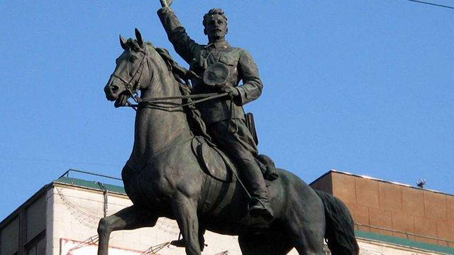 Центр візуальної культури у Києві просить зберегти радянські пам'ятники