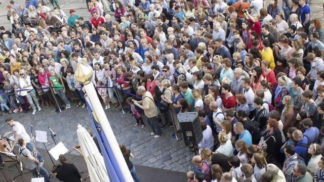 На перший вечір фестивалю «Ніч у Львові» прийшли близько 10 тисяч відвідувачів