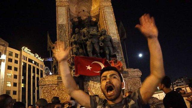 Кількість загиблих внаслідок військового перевороту в Туреччині перевищила 160