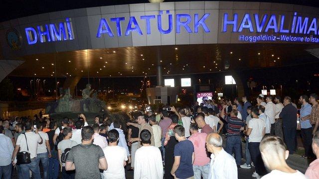 Під час невдалого перевороту у Туреччині українські громадяни не постраждали, - МЗС