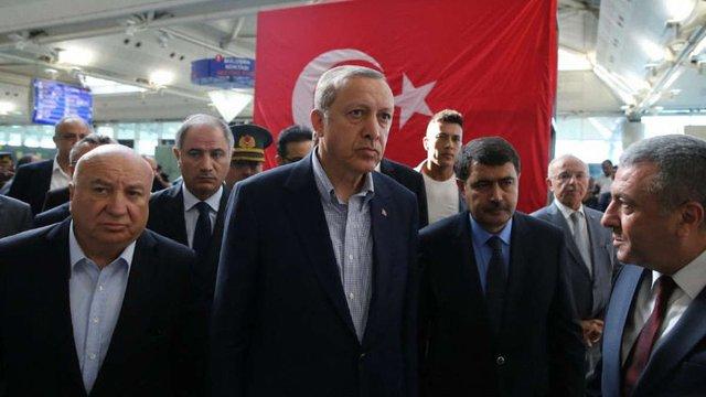 Спроба військового перевороту у Туреччині могла бути влаштована Ердоганом, - Independent
