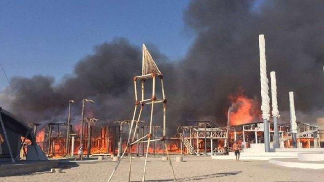 В анексованому Криму згоріла будівля фестивалю «Казантип»