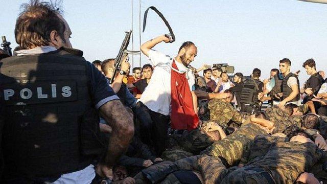 Влада Туреччини заздалегідь підготувала списки для арештів причетних до заколоту, – єврокомісар