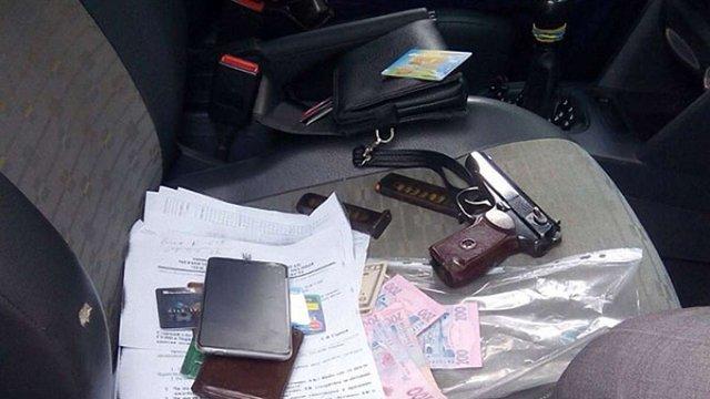 На Чернігівщині за хабар затримали двох поліцейських