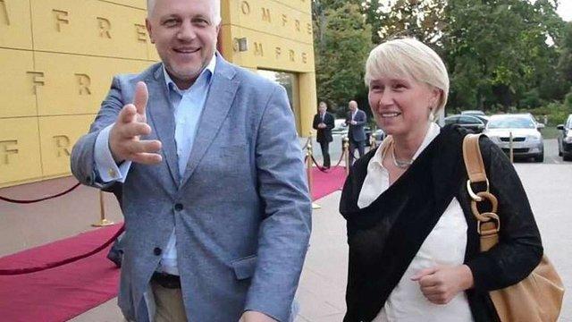 Порошенко доручив взяти під охорону власницю «Української правди» Олену Притулу