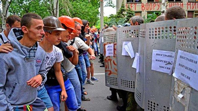 «ДНР» та «ЛНР» провели навчання з блокування цивільними миротворців ОБСЄ