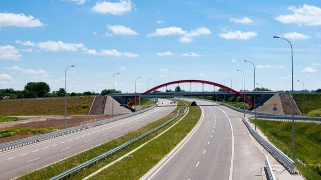 У Польщі завершили будівництво автостради, яка з'єднала Україну та Німеччину