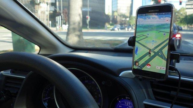 У Львові поліція вперше оштрафувала водія через гру Pokemon GO