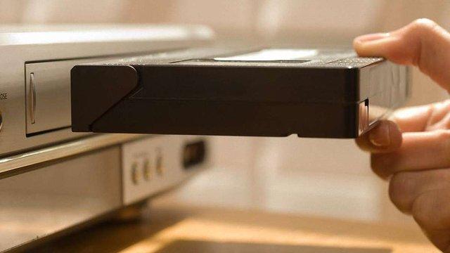 В Японії зупиняють виробництво останніх моделей відео-плеєрів VHS
