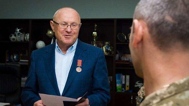 Начальник Генштабу ЗСУ нагородив екс-голову Запорізької облради, який розганяв Євромайдан