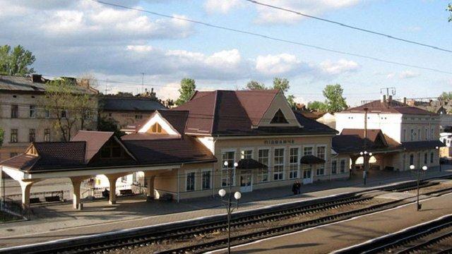Потяг №92/91 «Львів-Київ» матиме додаткову зупинку на Підзамчі