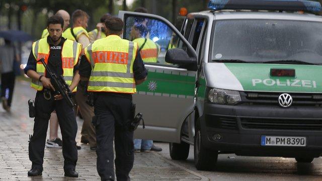 Стрілянина у Мюнхені: поліція заявила про 3 нападників у різних районах міста