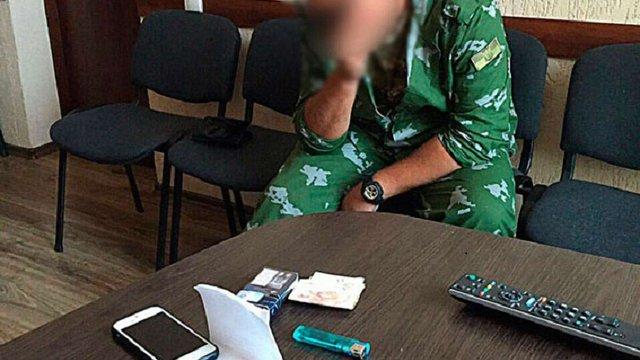 У Кропивницькому на хабарі затримали військового-контрактника