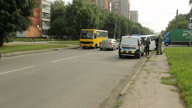 У Львові мікроавтобус із журналістами потрапив у ДТП