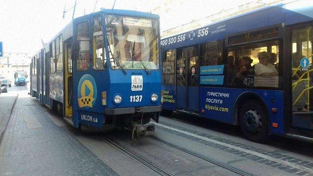 У Львові трамвай збив 50-річного пішохода