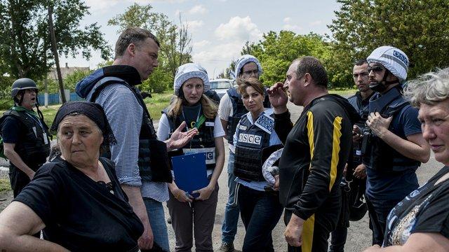На Донеччині бойовики погрожували представникам місії ОБСЄ фізичною розправою