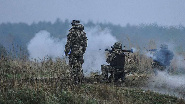 У бою з двома диверсійними групами біля Мар'їнки загинули 8 бойовиків, - штаб АТО