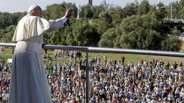 Папа Франциск закликав молодь не витрачати час на комп'ютерні ігри