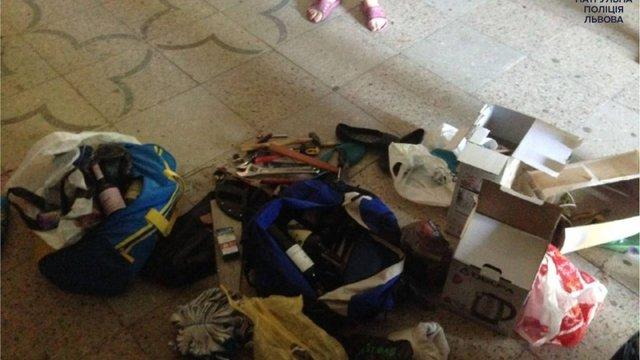 Патрульні затримали грабіжника у львівському гуртожитку