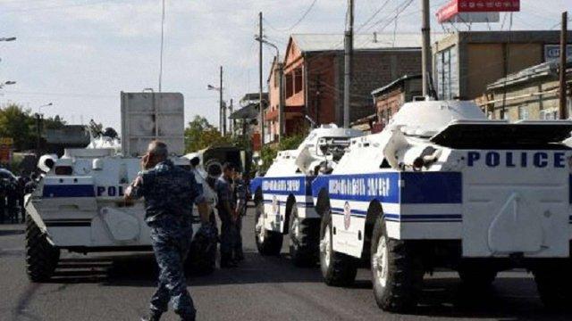 Озброєні люди, які захопили поліцейський відділок в Єревані, здалися владі