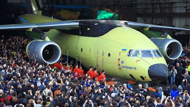 Порошенко підписав закон, що дозволяє авіапрому України створювати СП із зарубіжними партнерами