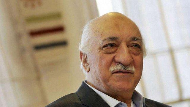 Турецький суд заочно заарештував проповідника Фетхуллаха Гюлена