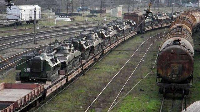 На тимчасово окуповані території Донбасу зайшла техніка з території РФ, - Міноборони