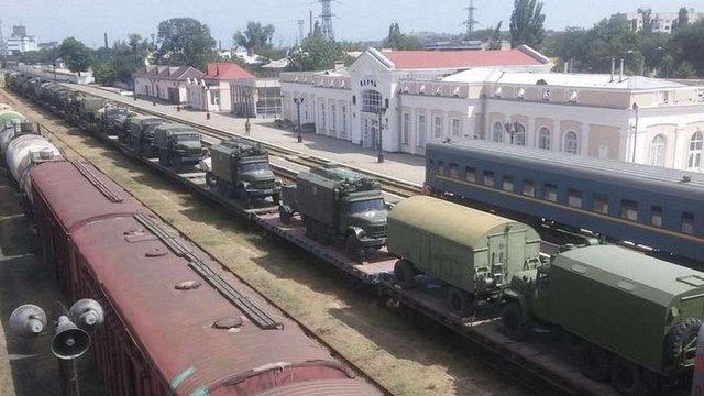 Росія перекинула до Криму нові колони військової техніки