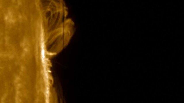 NASA вдалося зняти унікальний плазмовий дощ на поверхні Сонця