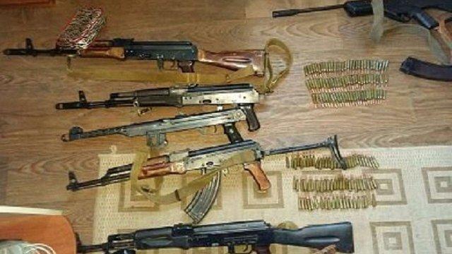Поліція вилучила арсенал зброї та боєприпасів в центрі Києва