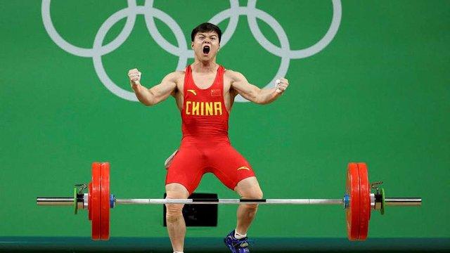 Китайський штангіст встановив новий світовий рекорд на Олімпіаді-2016